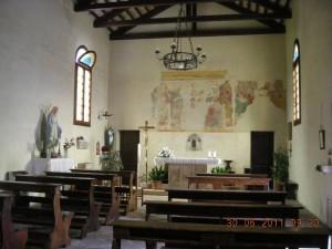 L'interno dell'oratorio San Leonardo ad Orgnano